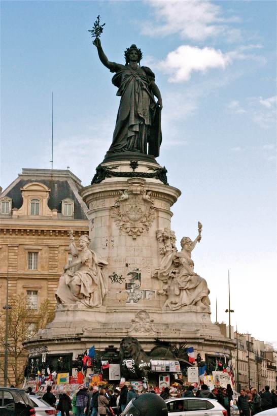 Place De LA Republic